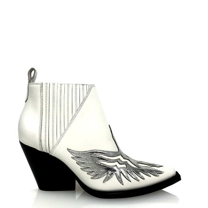 JEFFREY CAMPBELL // FAWKES / WHITE+SILVER - ::